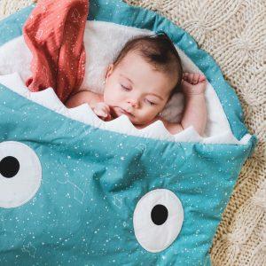 BABY BITES saco pez constelación turquesa